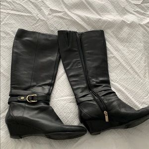 Bandolino black wedge boots